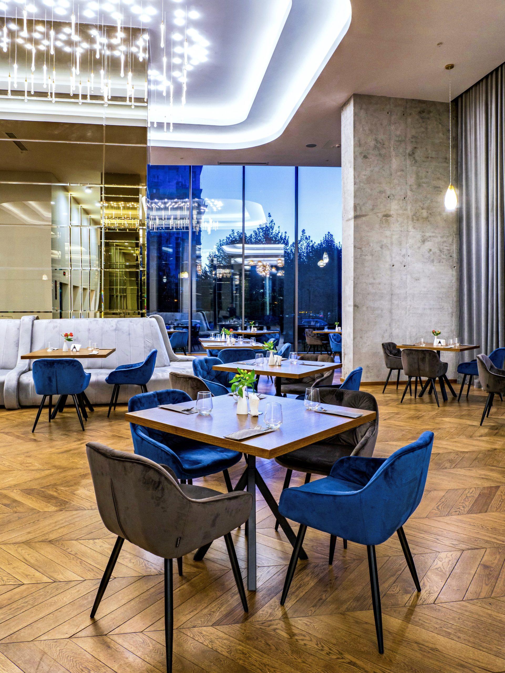 Union Plaza Hotel - Maroon Restaurant